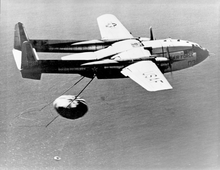 Satellite espion - US - Discoverer 14 - Récupération - C-119J Flying Boxcar - août 1960 - US Air Force