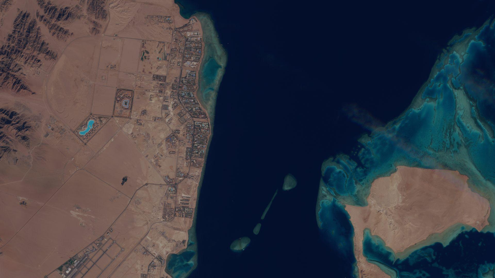 Egypte - Mer rouge - Sinaï - Charm el-Cheikh - Baie de Naama - satellite Sentinel-2 - MSI - ESA - Tourisme - Plongée sous-marine