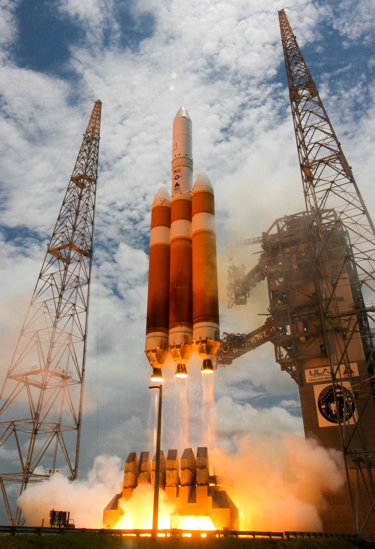 11 juin 2016 - Delta 4 Heavy - Cap Canaveral - satellite militaire - NROL 37 - National Reconnaissance Office - ULA