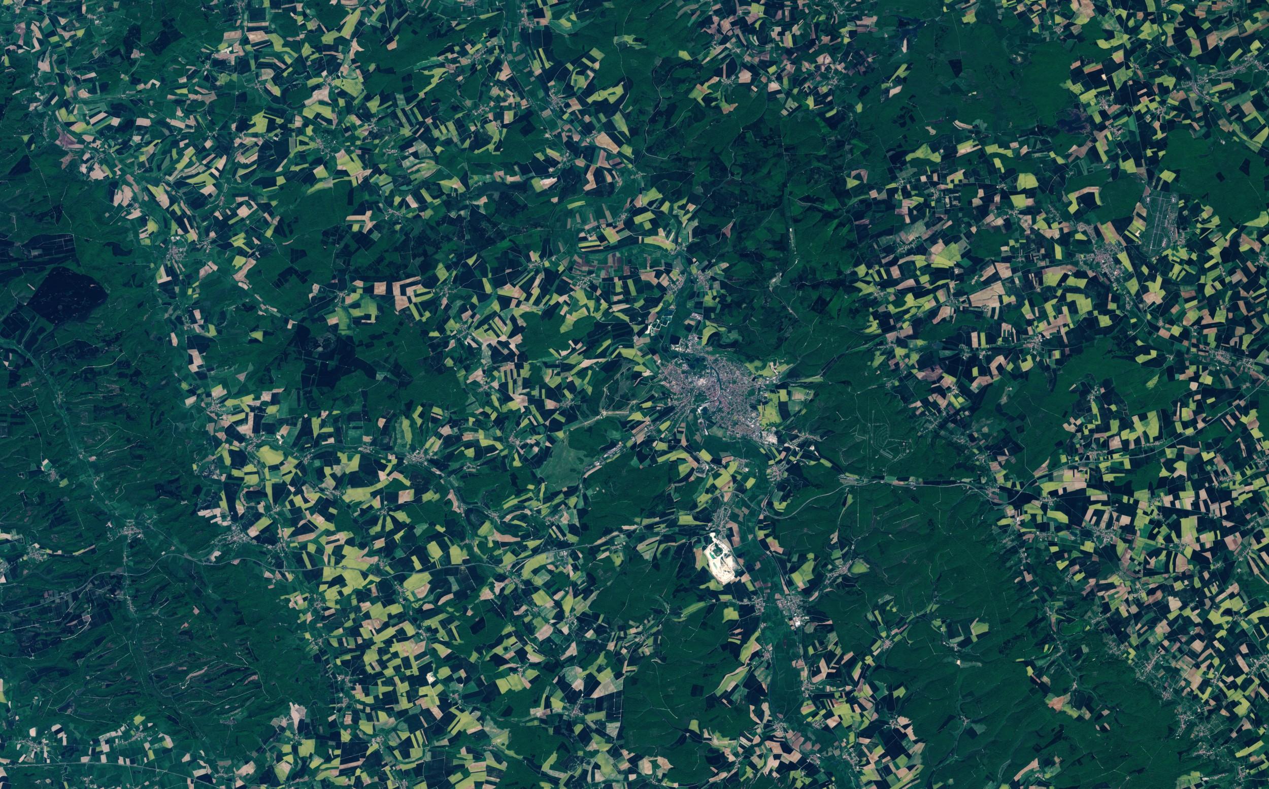 Verdun - Mai 2016 - Forêt de Verdun - Champ de bataillle - Obus - Douaumont - Munitions - Satellite Sentinel-2A - Meuse - ESA