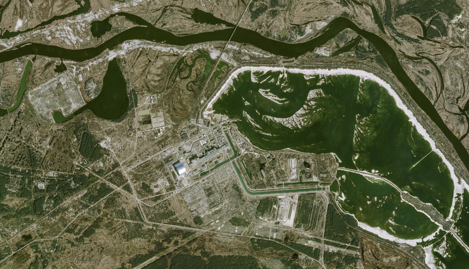 Tchernobyl - Chernobyl - 30 ans - 26 avril 1986 - 26 avril 2016 - satellite Pleiades - Chantier de l'arche de confinement - sarcophage - 27-03-2016 - CNES - Airbus DS - Ukraine