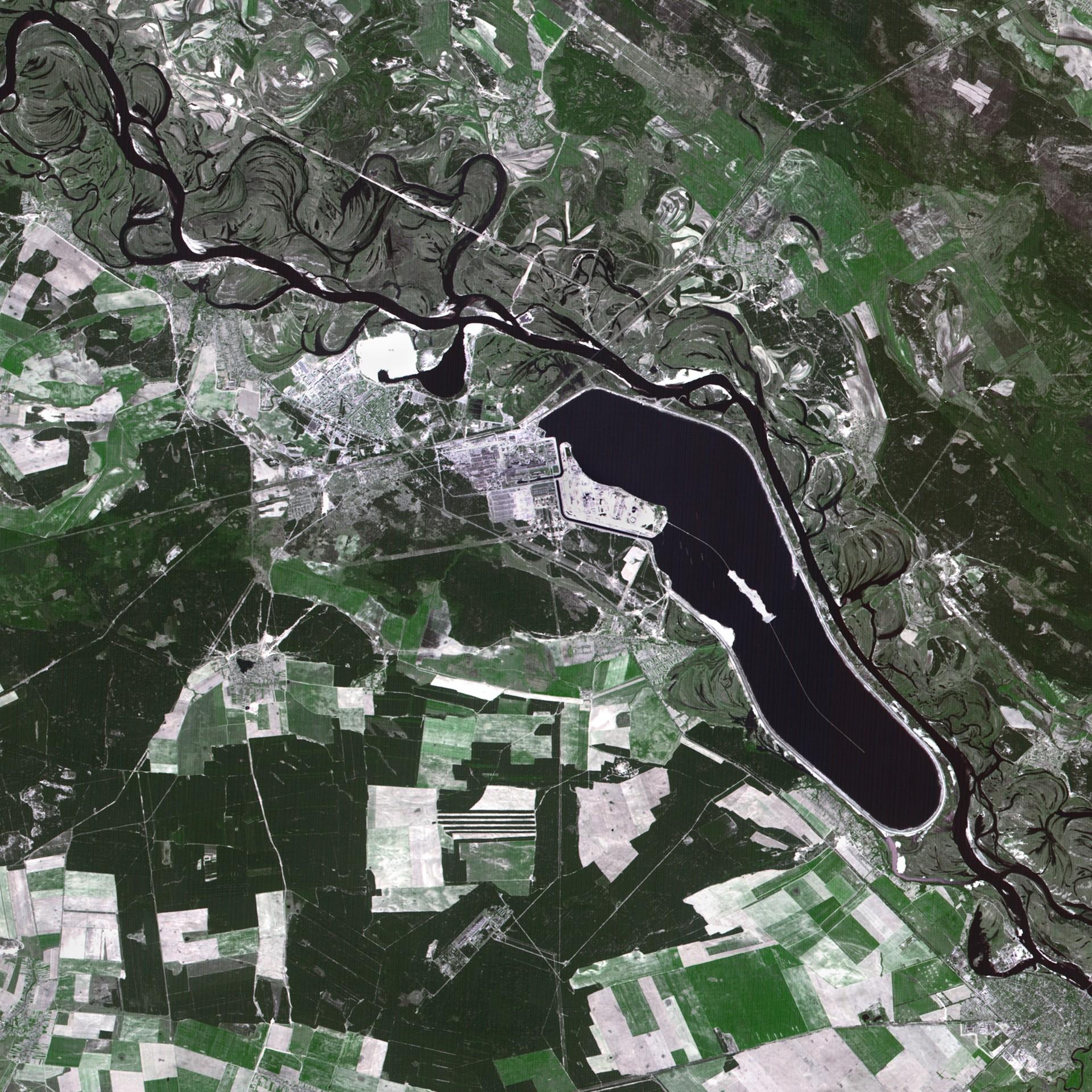 Tchernobyl - Chernobyl - Premières images satellites - explosion centrale - 26 avril 1986 - 7 mai 1986 - SPOT 1 - CNES - Spot Image - Airbus DS