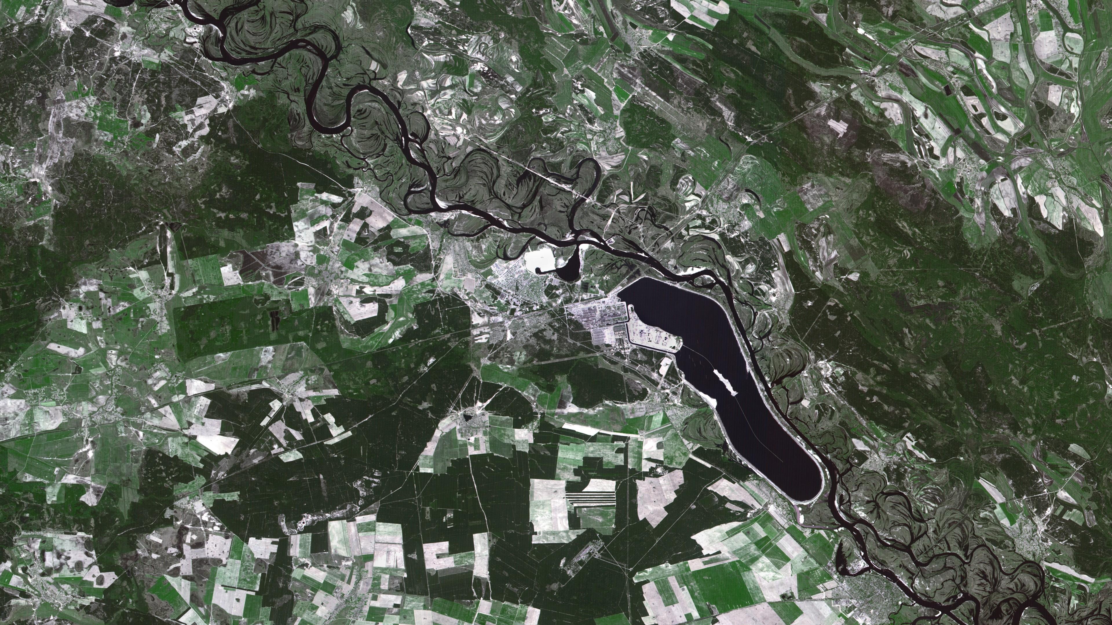 Tchernobyl - Premières images satellites - explosion centrale - 26 avril 1986 - 7 mai 1986 - SPOT 1 - CNES - Spot Image - Airbus DS