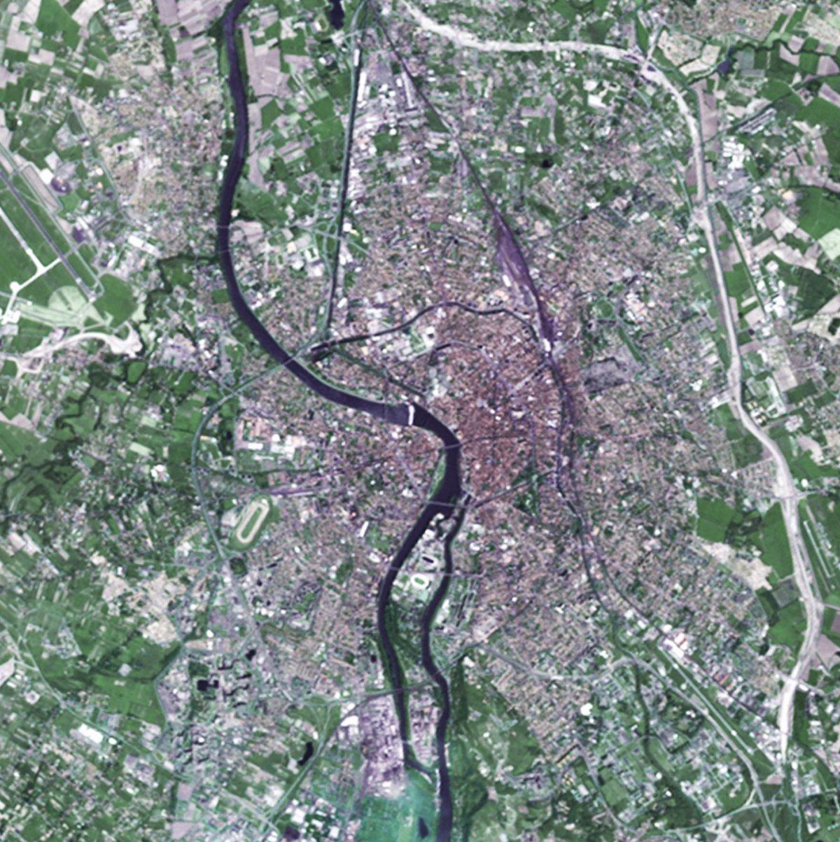 30 ans de SPOT - Toulouse - Ville rose - Capitale européenne du spatial - évolution - Spot 1 - Mai 1986 - CNES - Airbus DS