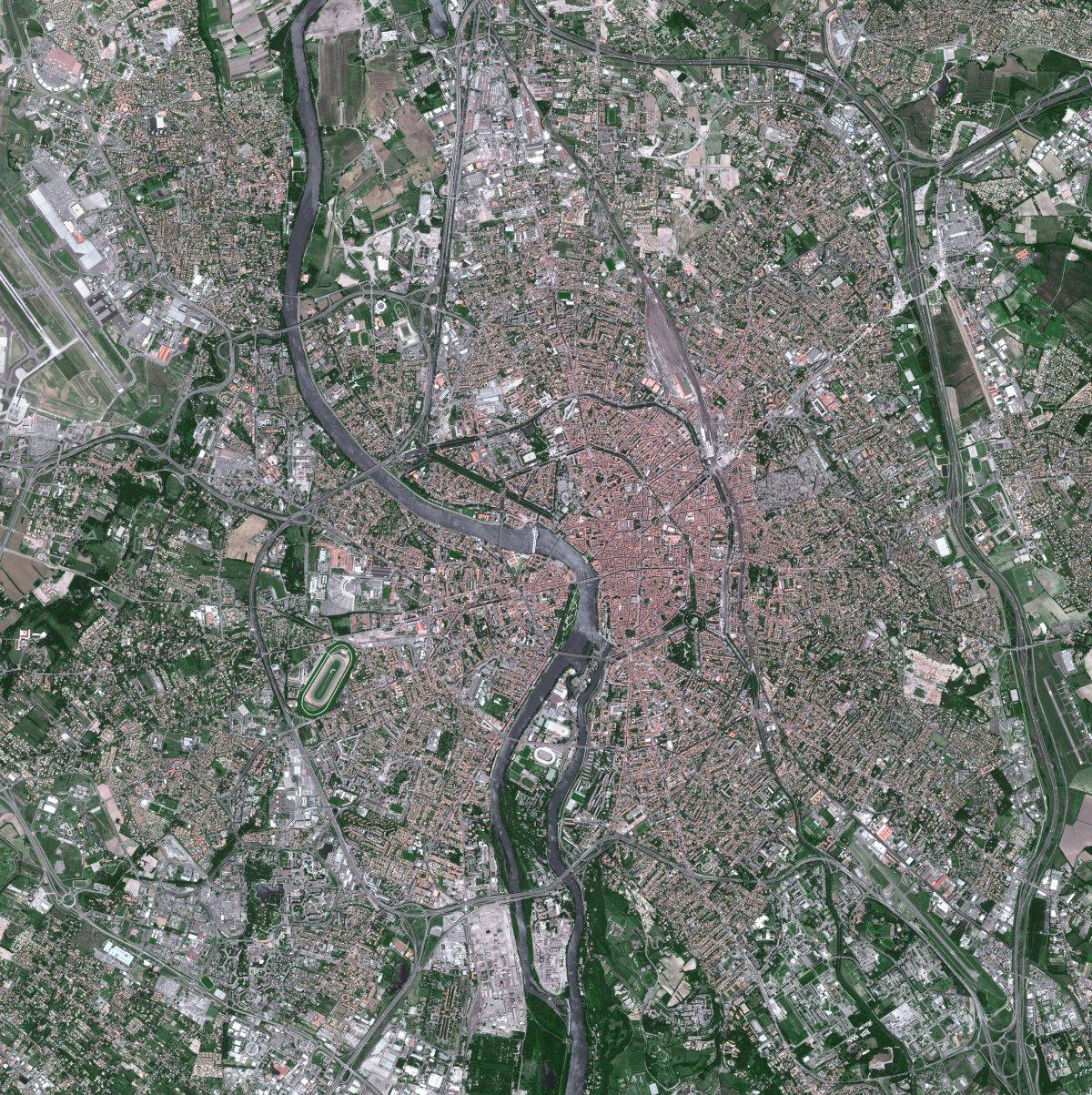 30 ans de SPOT - Toulouse - Ville rose - Capitale européenne du spatial - évolution - Spot 5 - Juin 2002 - Après AZF - CNES - Airbus DS