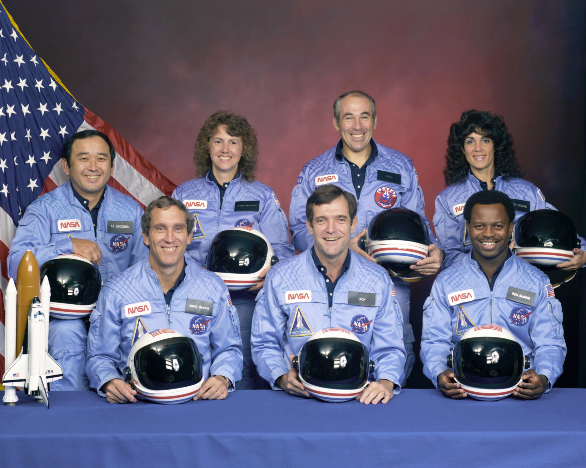 Accident Columbia - STS-51L - équipage - crew - Christa McAuliffe - Gregory B. Jarvis - Judith A. Resnik - Francis R. Scobee  - Ronald E. McNair - Michael J. Smith  - Ellison S. Onizuka