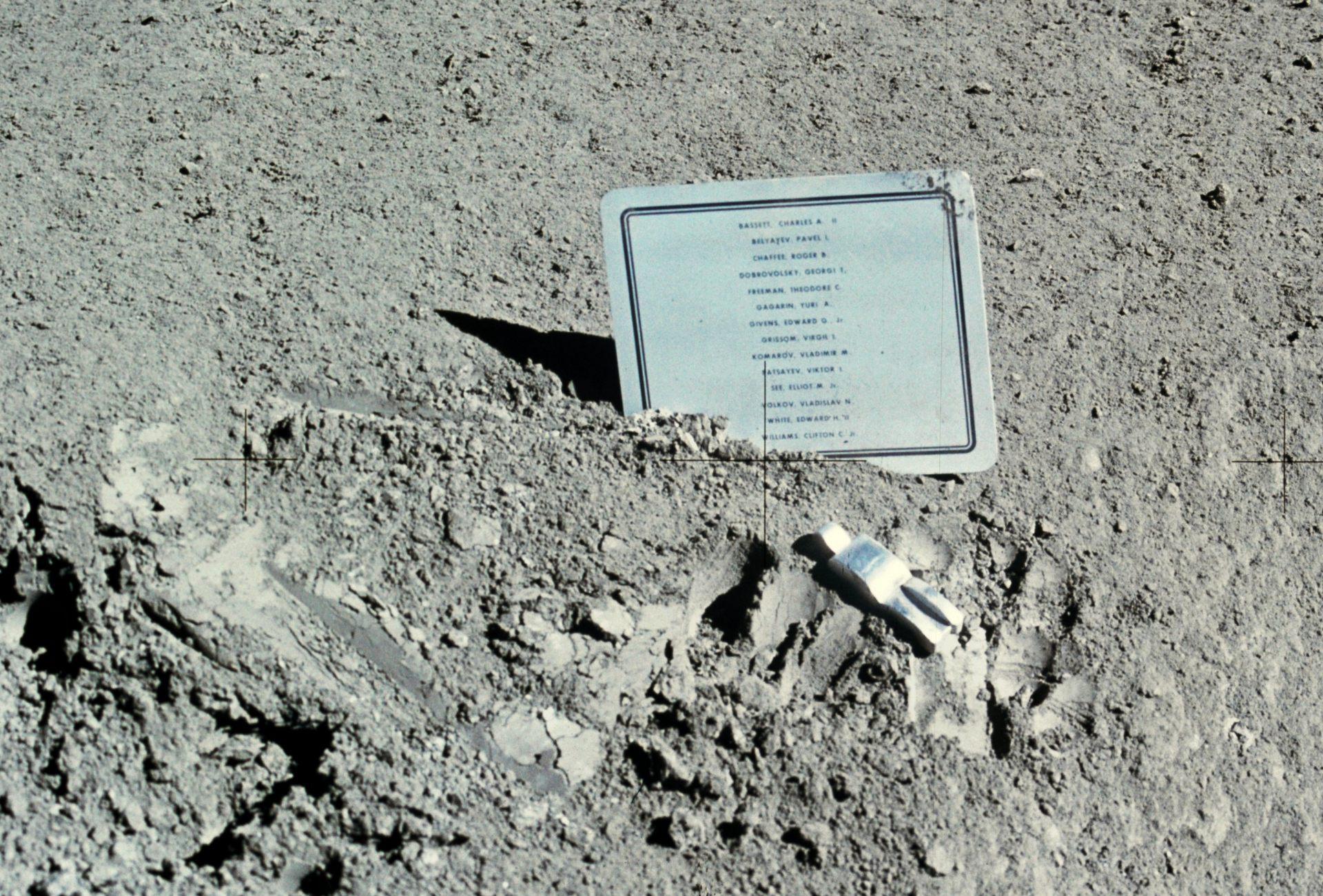 Fallen Astronaut - Drames et accidents dans l'espace - Lune - Moon - Apollo 15 - NASA