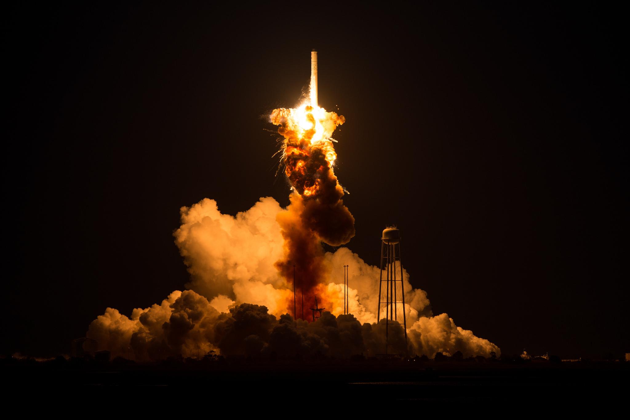 28 octobre 2014 - échec du lancement de la fusée Antares - Orbital ATK - Cygnus CRS-7 - NASA