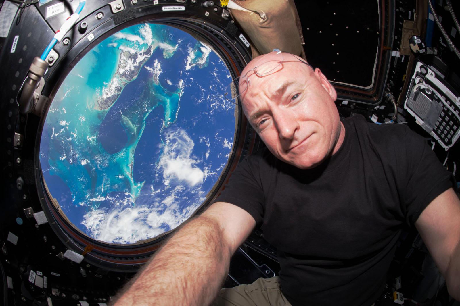 Scott Kelly - Record américain du plus long séjour dans l'espace - ISS - mission longue durée - Quiz Un autre regard sur la Terre