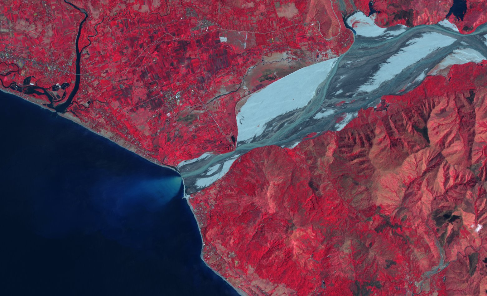 Sentinel-2A - Philippines - Botolan - Bucao River - ESA - Copernicus - Compostion colorée - Proche infrarouge