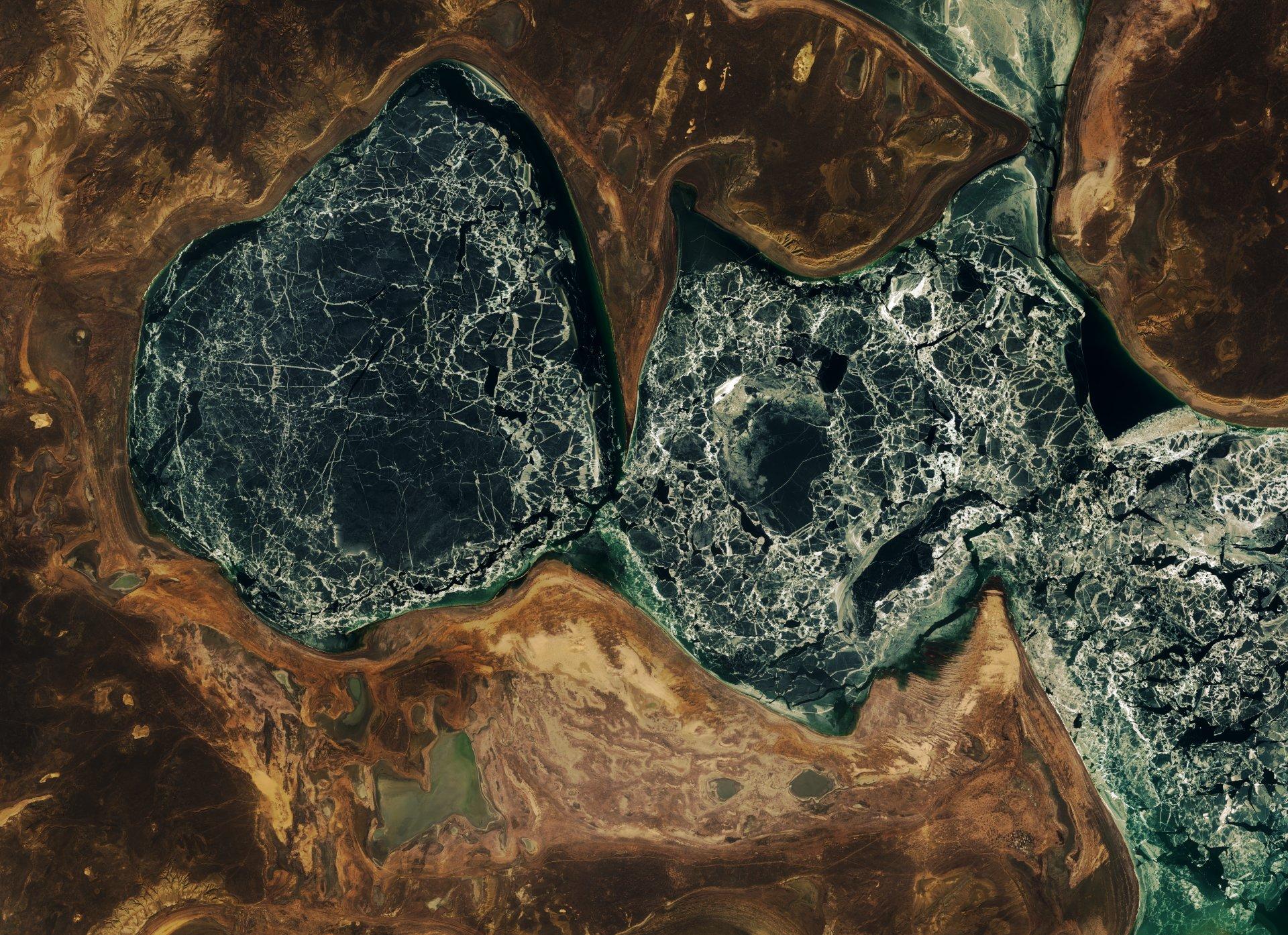 Sentinel 2A - Quiz image - Glace - dégel - débacle - Copernicus - ESA - Mars 2016 - Image mystère - Un autre regard sur la Terre