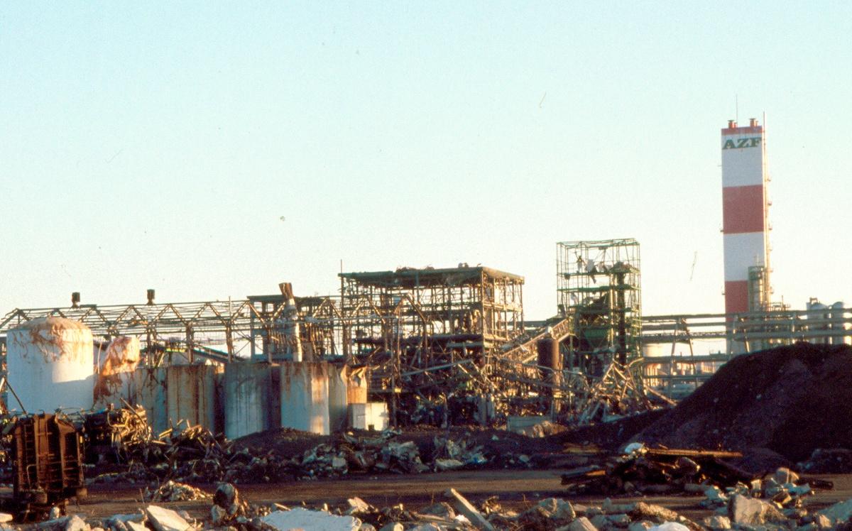 Toulouse - Usine AZF - explosion du 21 septembre 2001 - Dégâts - Comparaison avec la catastrophe de Tianjin (Chine) du 12 août 2015