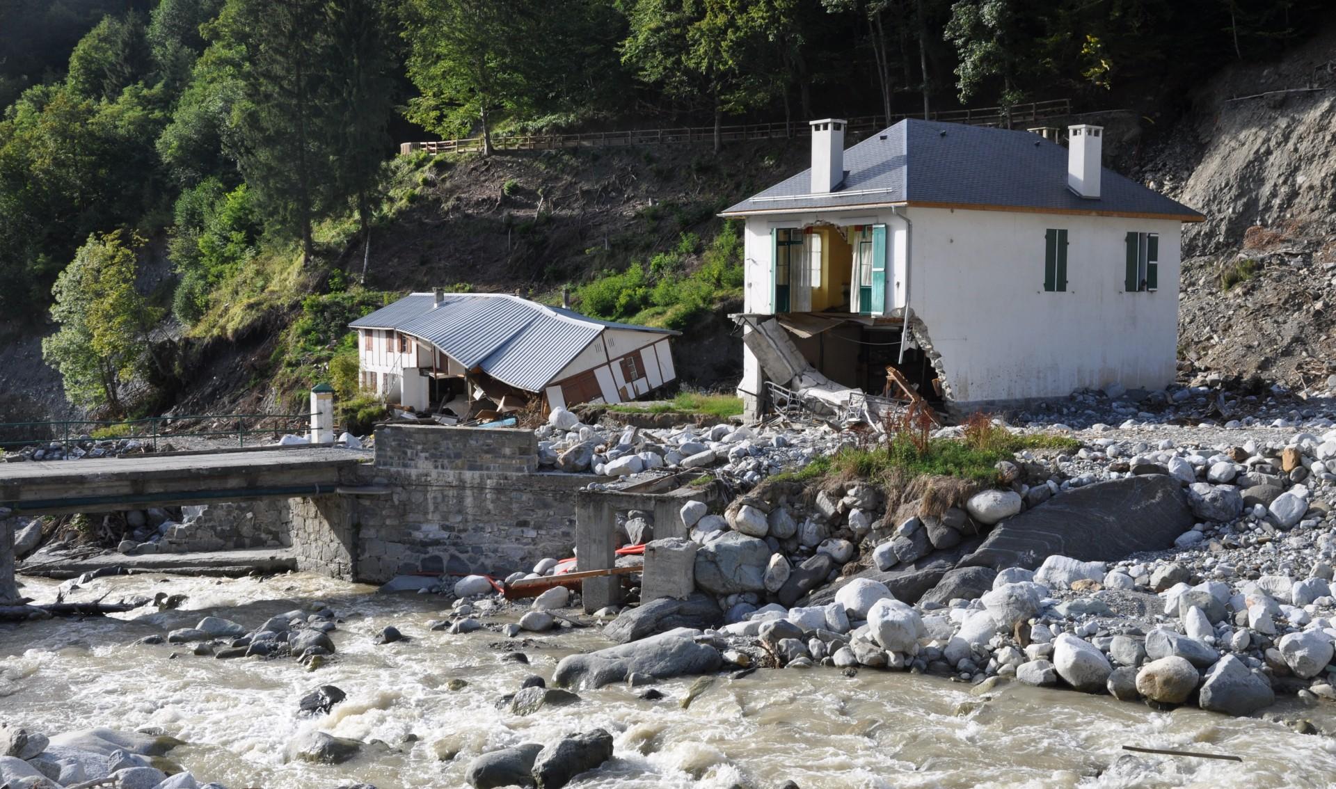 état de catastrophe naturelle - arrête - Hautes-Pyrénées - inondations - Juin 2013 - crue éclair