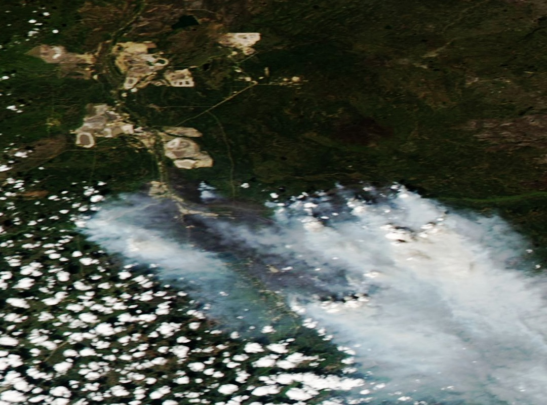 Fort McMurray - Alberta - Incendies - Wild fires - Feux - progression - 14-05-2016 - MODIS - Aqua - satellite - NASA - Couleurs naturelles