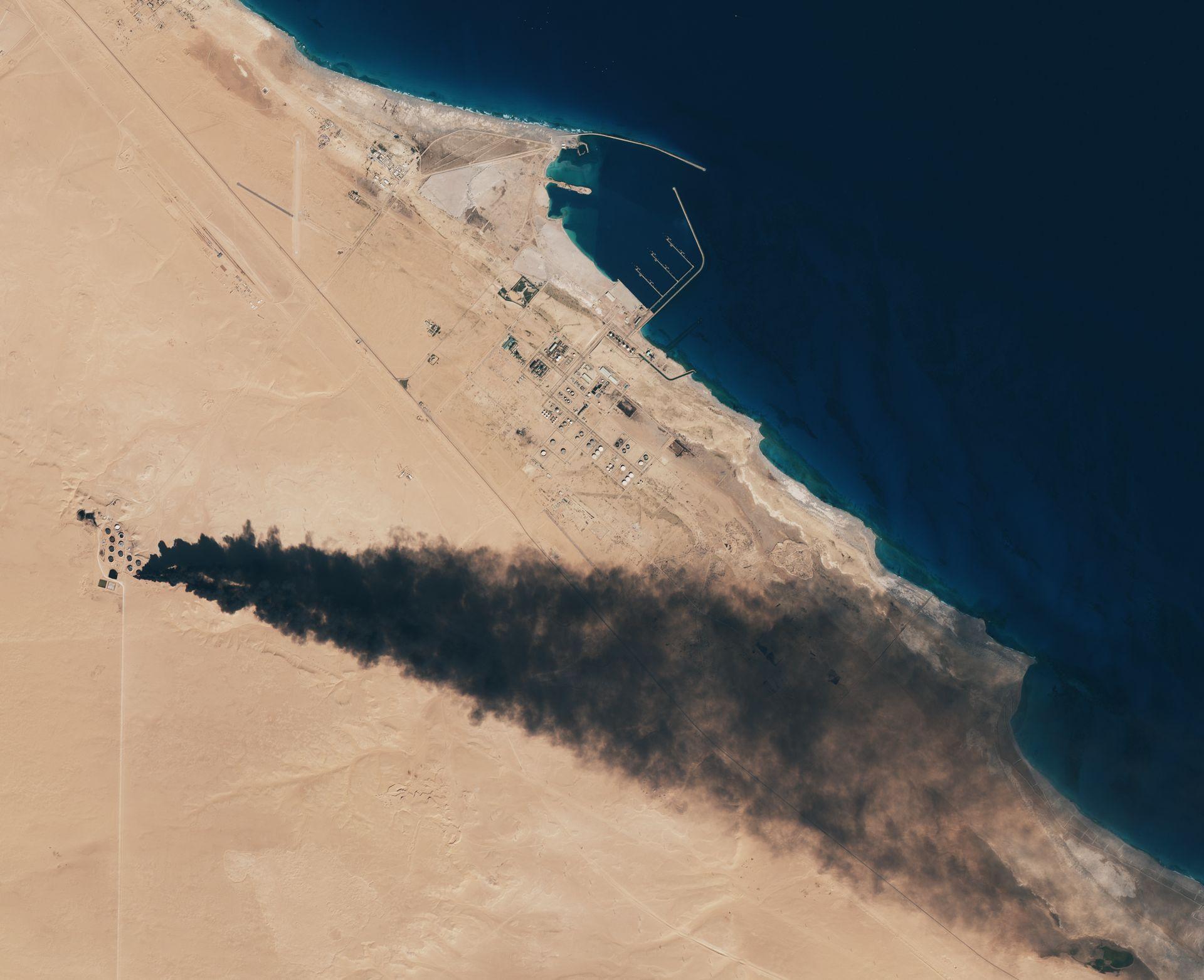 Sentinel-2 - MSI - Libye - Libya - Incendies réservoirs pétrole - état islamique - ESA - Copernicus - European Commission - EUU