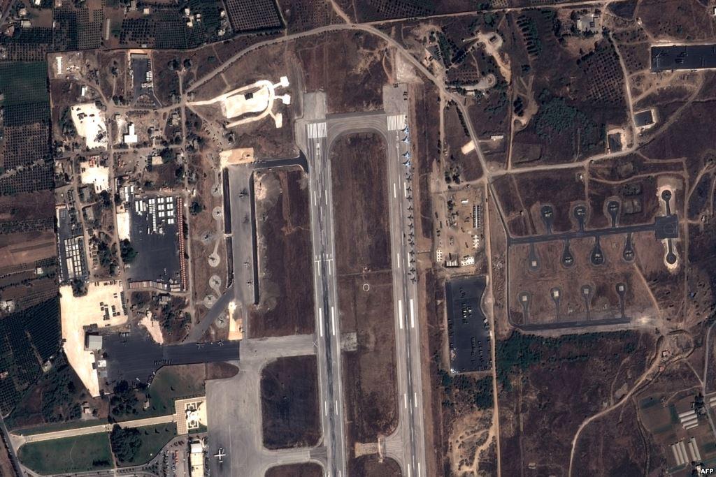 Syrie - Lattaquié - Avions et hélicoptère russes - Aéroport - Pléiades - Pleiades - Satellite - frappes aériennes- Bachar al-Assad