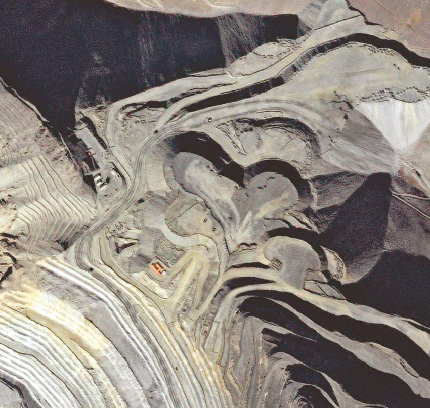 Saint-Valentin - 14 février 2016 - Un cœur qui a bonne mine - La mine de Los Pelambres au Chili vue par le satellite Formosat-2.