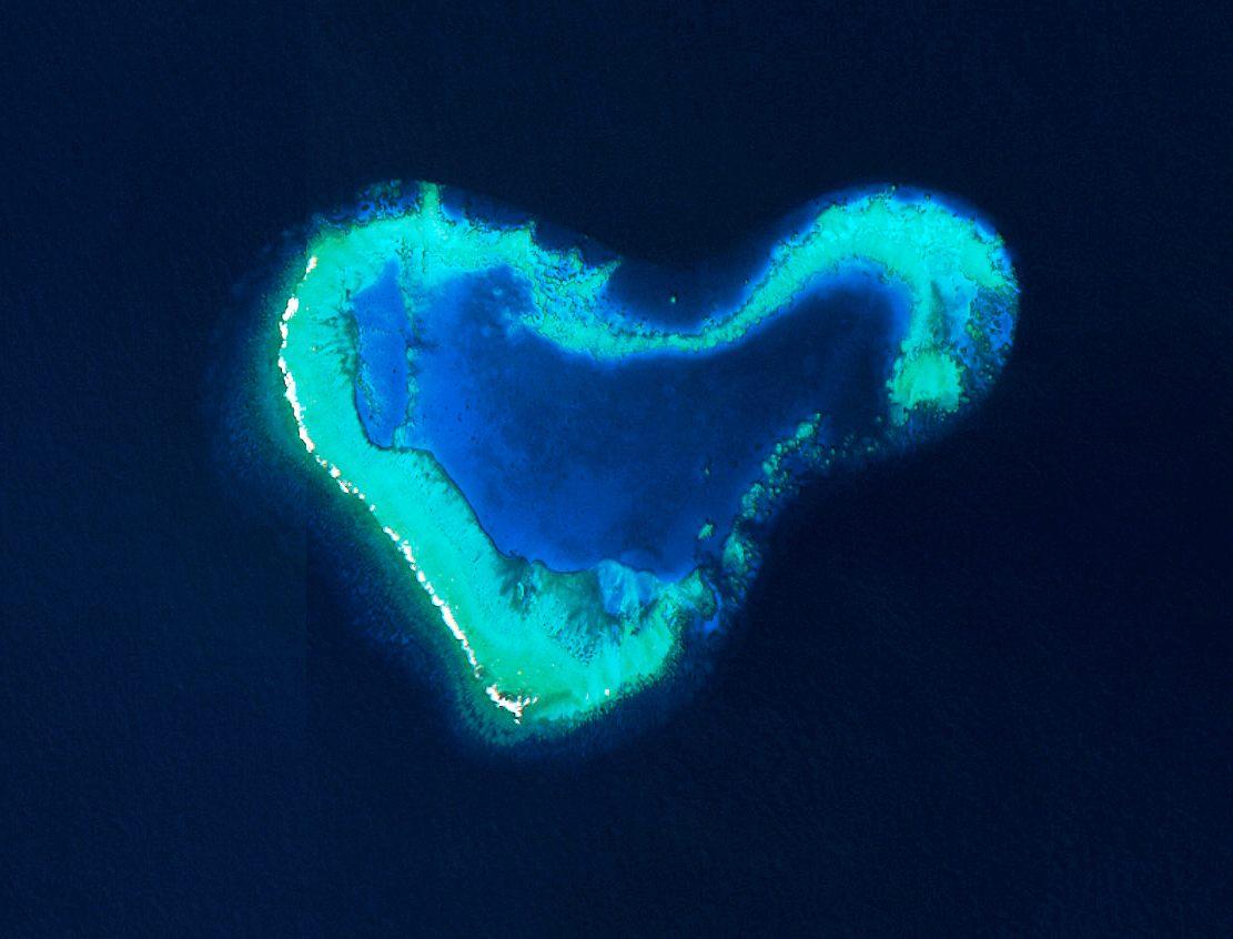 Sain-Valentin - île en forme de coeur - Spot 7 - Fidji - 14 février 2016 - Un autre regard sur la Terre