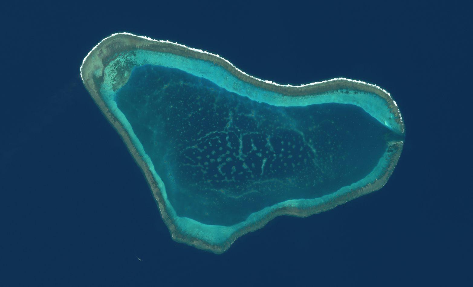 Saint-Valentin - 14 février 2016 Coeur - vu par satellite - île en forme de coeur - quiz - coeur vu du ciel - Un autre regard sur la Terre