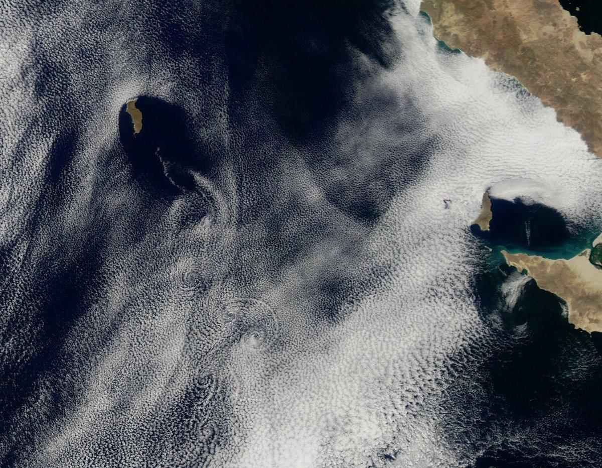 Allée de tourbillons de Bénard - Von Karman - Satellite - Guadalupe - Baja Calafornia - Mexico - Mexique - Kármán vortex street