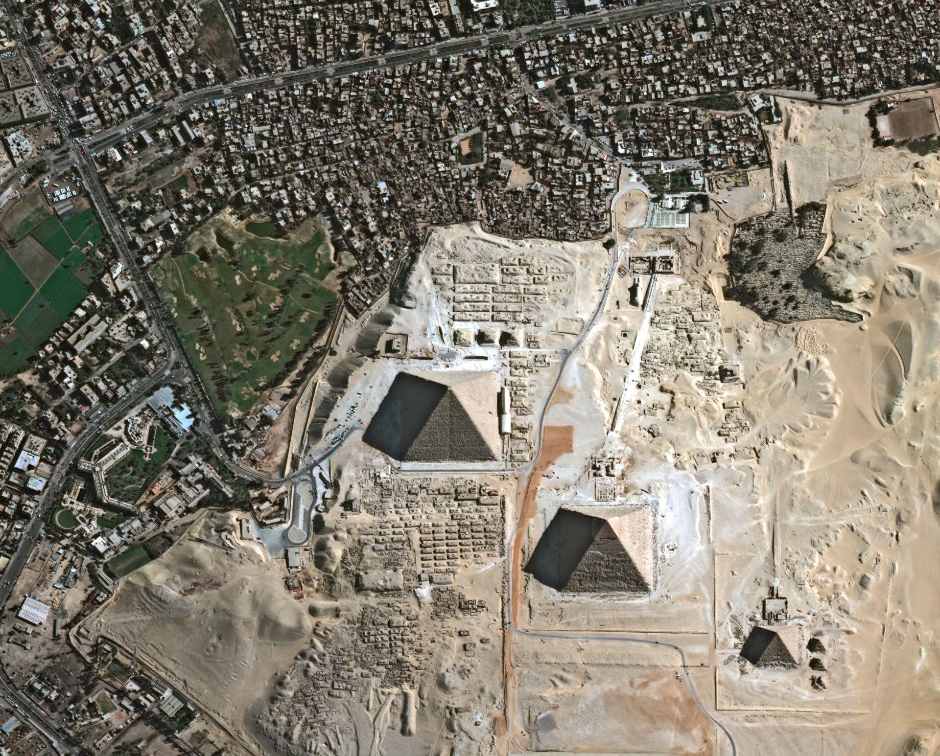Egypte - Le Caire - Pyramides - Pléiades - Pleiades - satellite - Géographie de James Bond